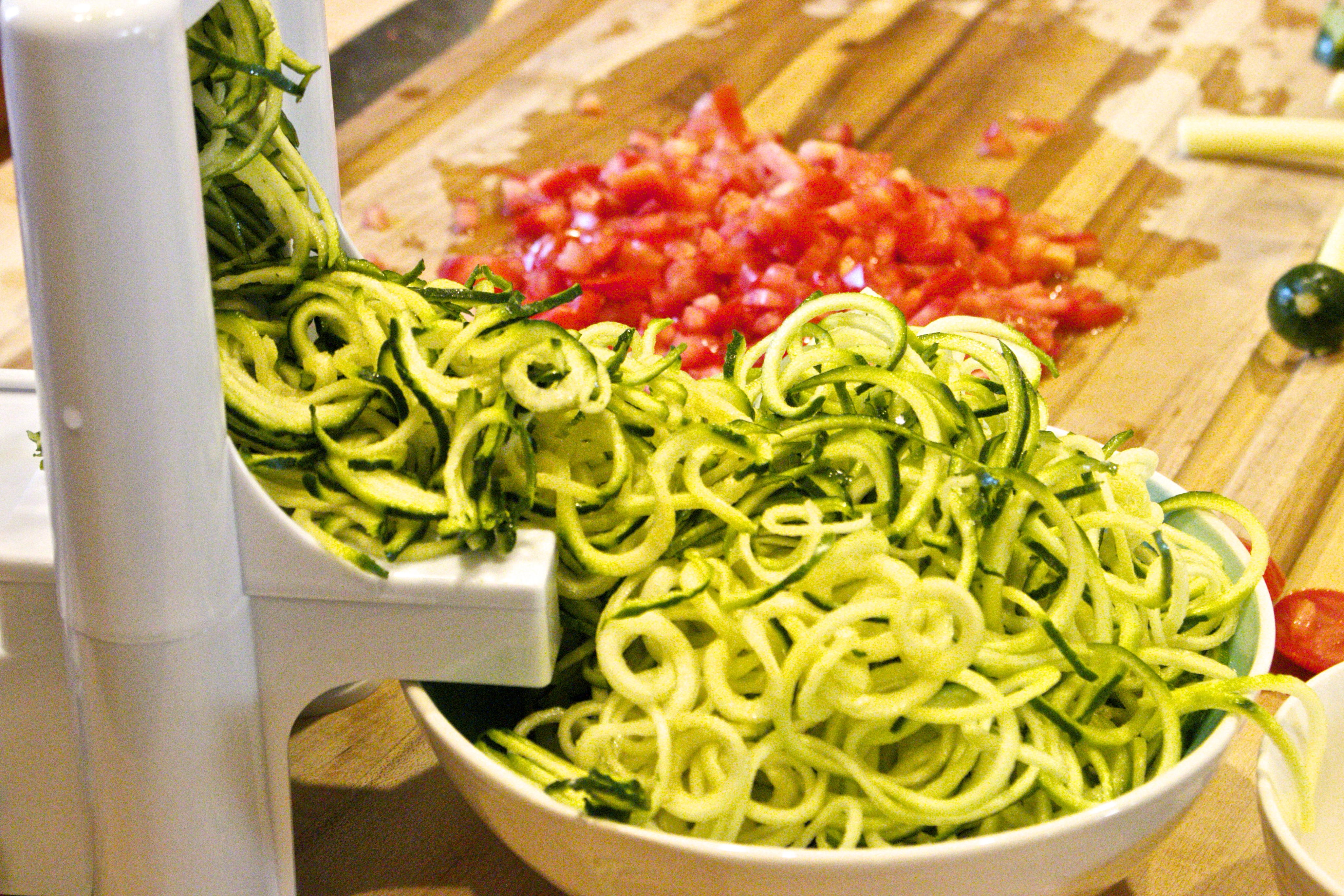 how to make zucchini noodles with a knife